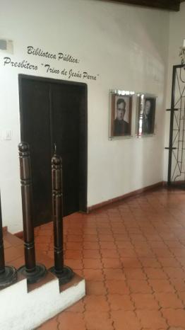 Biblioteca. Foto: Alejandra Suárez.