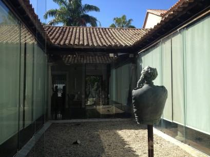 Patio Interno. Joseph Bailly, fragmento de El Saludante. Foto Mayerling Zapata, enero 2017.