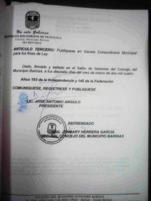 Acta firmada para el cambio de nombre. Fotos M. Araque.