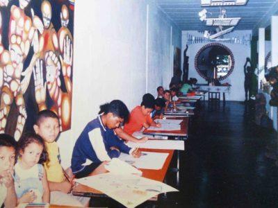 Alumnos en los talleres. Foto archivo MAVHA.