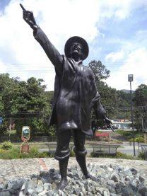 Estatua de Domingo Peña tras su restauración en 2015. Foto Samuel Hurtado, mayo 2017.