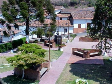Caminerías de la plaza Bolívar de Jajó. Foto Luis Augusto Peña_Panoramio.