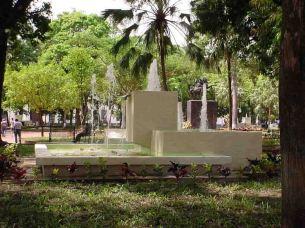 Fuente en funcionamiento, año 2003. Foto archivo del cronista oficial de Barinas.
