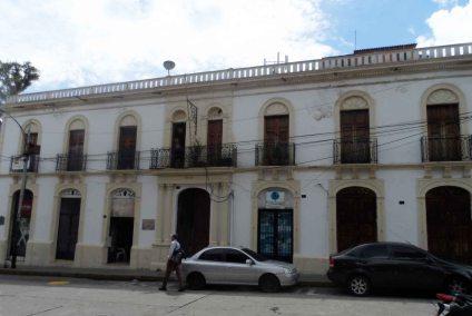 Vista exterior de la Casa de la Cultura San Félix Sánchez. Foto Frank Gavidia.