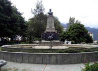 Vista frontal del monumento al coronel Vicente Campo Elías, mayo 2017. Foto Samuel L. Hurtado Camargo