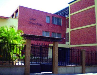 Colegio Madre Ràfols, de las Hermanas de la Caridad de Santa Ana, fundado Valera, Trujillo, en 1928.