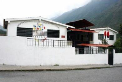 Escuela de Música Adela de Burelli, sede de los Niños Cantores del Valle de Momboy, Trujillo. Venezuela. IPC