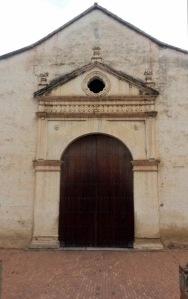 Puerta principal de la catedral Nuestra Señora de La Asunción, en Margarita.