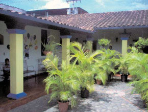 Patio interior de La Casona, recinto histórico de San Casimiro, Aragua. Foto IPC circa 2007.