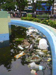 Fuente putrefacta de la plaza José Félix Ribas, Barinas.