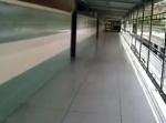 Pasillo del tercer piso del colegio Madre Ràfols