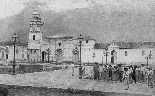 Plaza Bolívar de Mérida, Venezuela, a finales del siglo XIX.