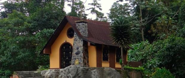 Capilla de San Benito, en La Azulita, estado Mérida. Folclor y sincretismo cultural venezolano.