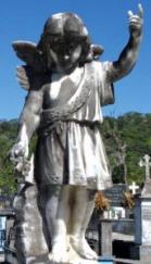 Antigua escultura en mármol del cementerio municipal de Boconó, un museo sobre las tendencias artístticas funerarias de principios del siglo XX en Venezuela..