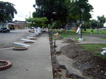 Cerca perimetral construida en 2010, desautorizada por el Instituto de Patrimonio Cultural. Estado Barinas, Venezuela.