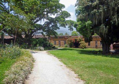 Entrada y fachada del Museo Trapiche de Los Clavo. Patrimonio cultural de Boconó, estado Trujillo, Venezuela.
