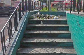 La mugre y el deterioro acusan el descuido institucional de la plaza mayor de Valera, estado Trujillo. Alerta patrimonio cultural de Venezuela.