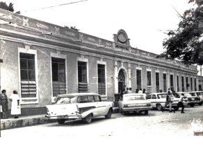 Vista de la sede de la alcaldía cuando era el viejo Hospital Luis Razetti en 1965. Casco histórico de Barinas. Patrimonio cultural de Venezuela.