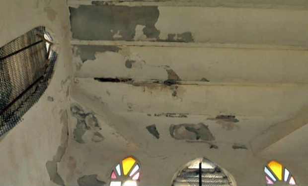 Deteriorado techo de la iglesia Santa Lucía, patrimonio en peligro. Maracaibo, estado Zulia. Venezuela.