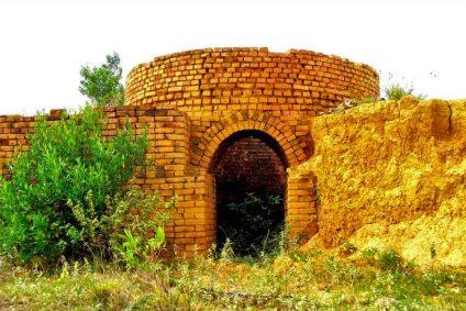 Horno o pampa de carbón para cocer ladrillos. Patrimonio cultural de Lobatera, municipio del estado Táchira, Venezuela.